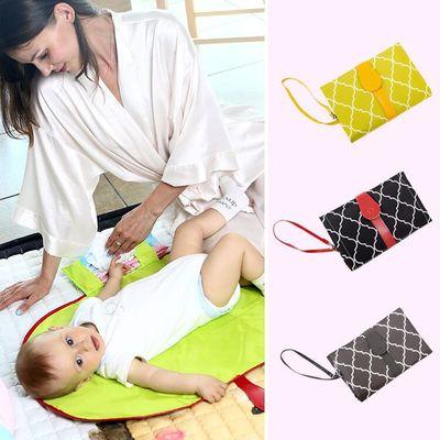 Tấm lót chống thấm Đa chức năng cầm tay em bé tã pad lưu trữ có thể gập lại không thấm nước em bé pa