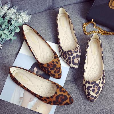 Giày da một lớp Xuân 2019 mới phẳng với giày mũi nhọn Thời trang Hàn Quốc da báo nhỏ size 33 miệng n