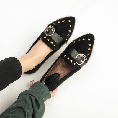 Giày da một lớp Giày đinh tán thường ngày 2019 thu đông mới cộng với giày đế bằng nhung nữ giày tuyế