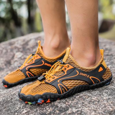 Giày đi bộ Mùa hè mới đi giày nam ngoài trời thoáng khí giày lội ngược dòng giày thượng nguồn chống