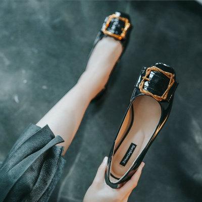 Giày da một lớp Thêm phân bón để mở rộng giày nữ cỡ lớn 41-43 mùa thu với giày của phụ nữ đầu vuông