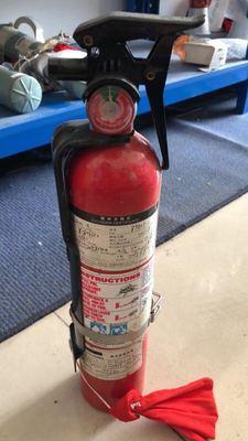Bình chữa cháy Máy bay hoạt động hàng không chữa cháy bình chữa cháy cầm tay Helen tiếp viên đào tạo
