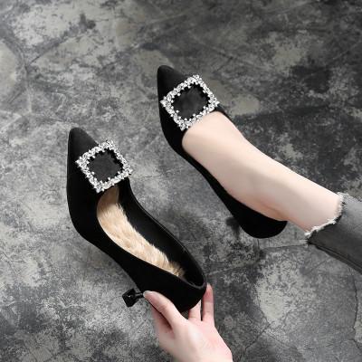 Giày da một lớp Một thế hệ giày cao gót có kích thước nhỏ 31 32 33 vuông khóa mèo với giày nữ nhọn c