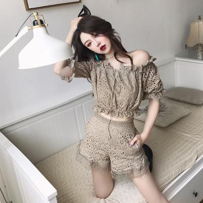 Đồ Suits Mùa hè 2018 phong cách mới quý cô khí chất từ cổ áo ren openwork áo sơ mi + quần short phù