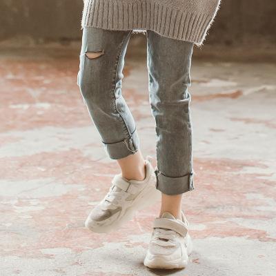 Quần trẻ em Màu xám cá tính giản dị hoang dã lỗ ảo bên chín điểm quần jeans Phiên bản Hàn Quốc của c