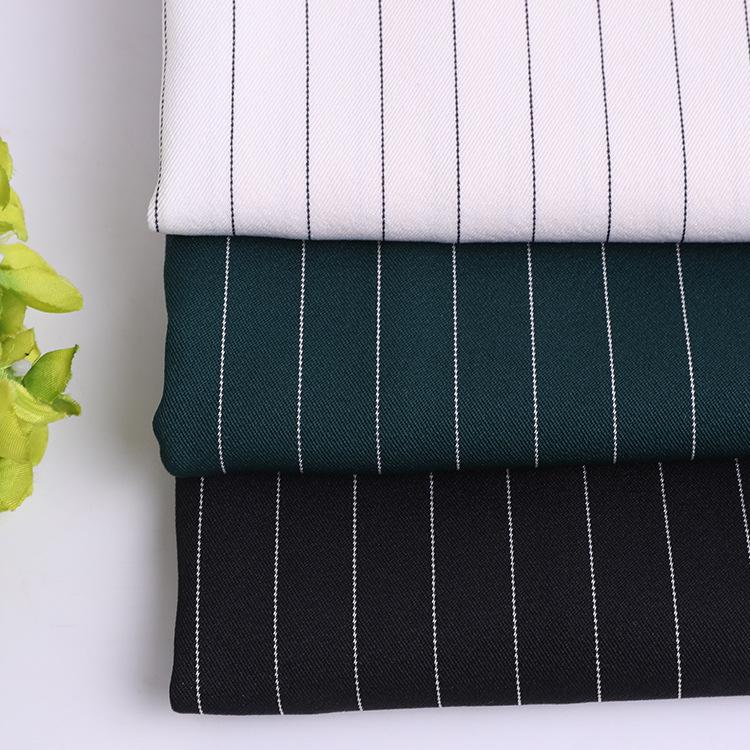 Vải Polyester Vải dệt thoi sọc polyester Mùa xuân và mùa hè twill dải vải polyester Quần áo thể thao