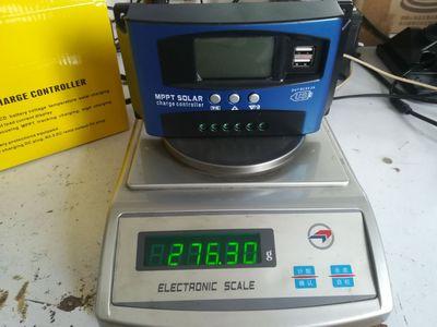 Mạch bo Nhà sản xuất bộ điều khiển năng lượng mặt trời Yongxin Xin 100AMPPT tự động tập trung hiển t