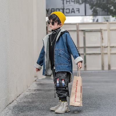 Trang phục Jean trẻ em Mùa đông 2019 quần áo trẻ em mới phiên bản Hàn Quốc của chữ in ngược áo khoác