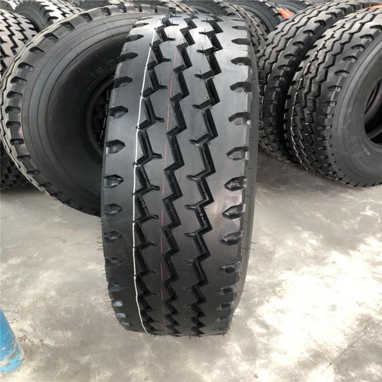 Cao su(lốp xe tải) Lốp xe hoàn toàn bằng thép 12.00R20 24 chịu nhiệt trước bốn sau tám lốp xe tải