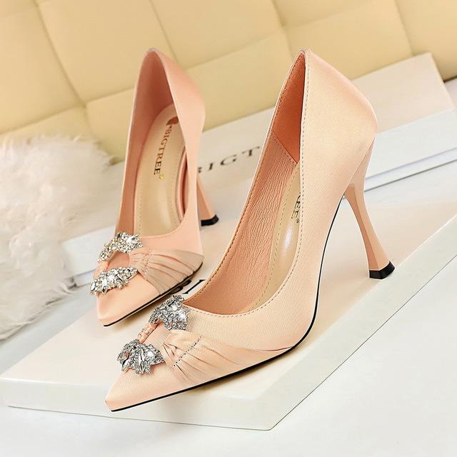 BIGTREE Giày nữ hàng Hot 2272-1 Phong cách thời trang châu Âu và Mỹ tiệc thanh lịch của phụ nữ giày