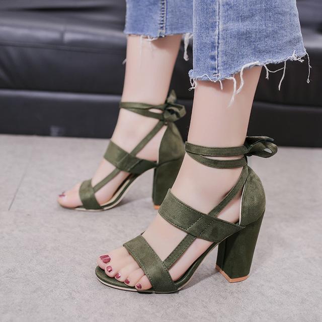thắt dây Thương mại nước ngoài xuyên biên giới mới dép nữ cỡ lớn châu Âu và Mỹ phát hiện giày cao gó
