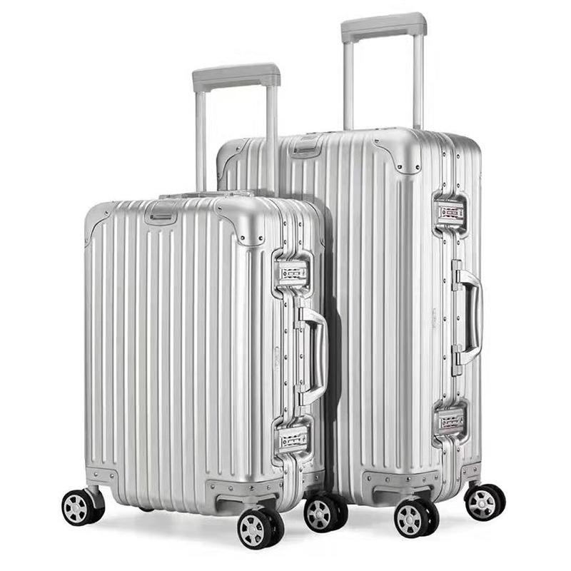 Vali hành lý du lịch có nhiều màu và size .