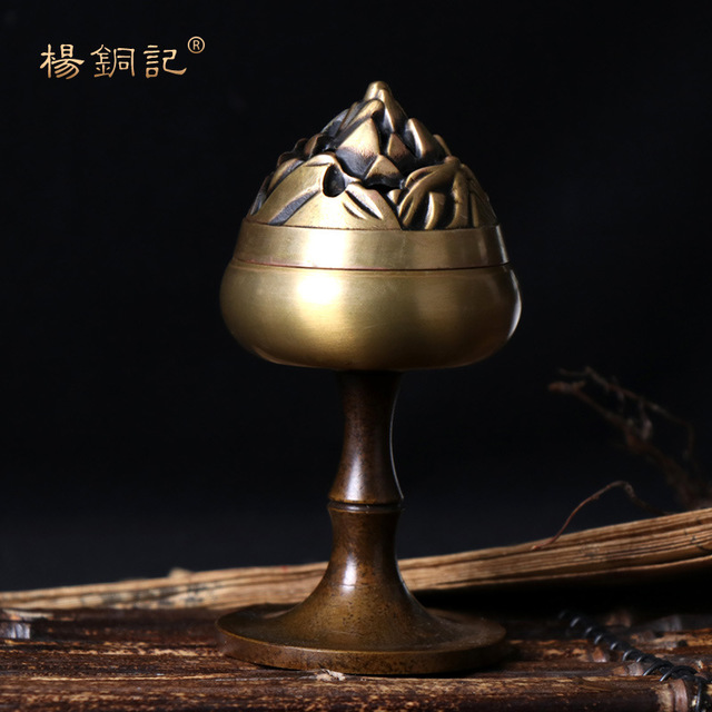 Lư hương đốt Trầm hương bằng đồng sáng tạo .