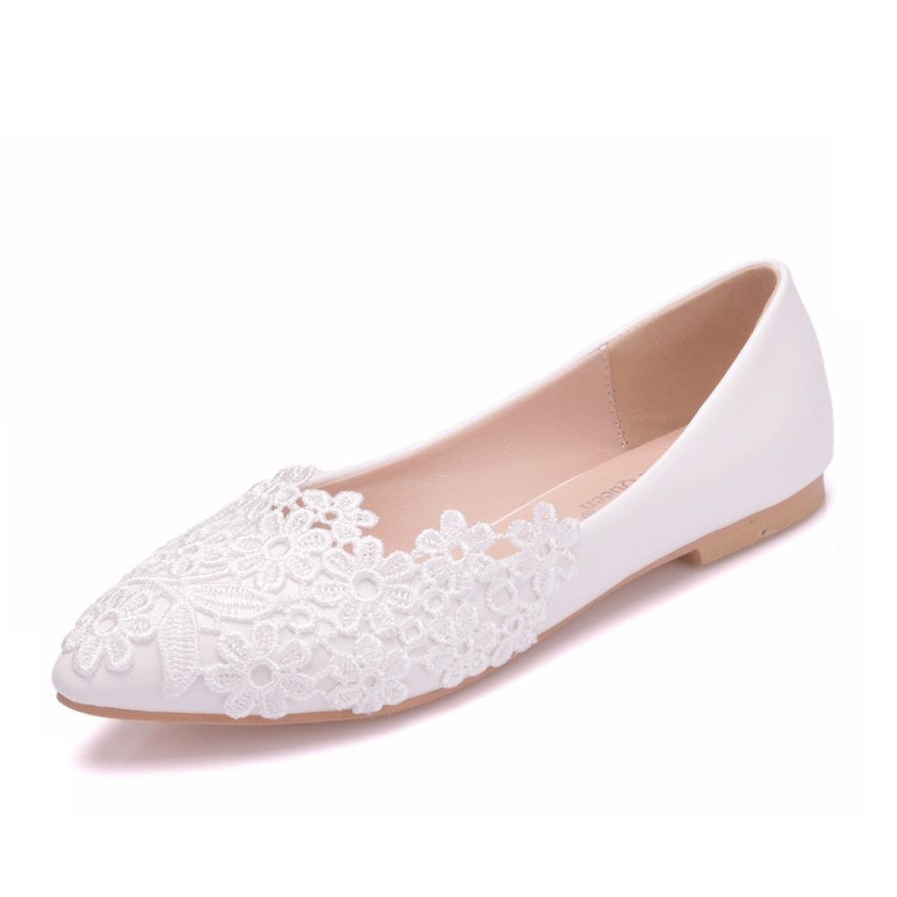 CRYSTAL QUEEN Giày FuJian Ngoại thương cỡ lớn giày đế bằng ren trắng Giày trắng mũi nhọn Giày đế bằn