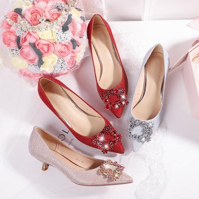 giày cô dâu Giày Fu số Xiuhe giày cưới nữ 2019 mới giày cô dâu đỏ cao gót nữ có mũi nhọn một thế hệ