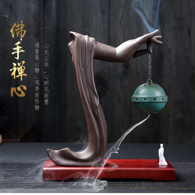 Tượng đốt trầm hương trong nhà sáng tạo giúp thanh lọc không khí