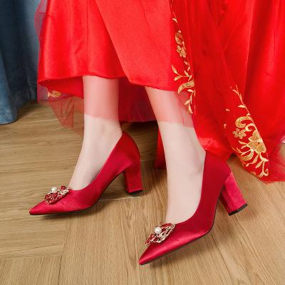 giày cô dâu Giày cưới nữ 2019 mới thắt nút cưới toast cô dâu giày đơn đính cườm đỏ dày với giày cao