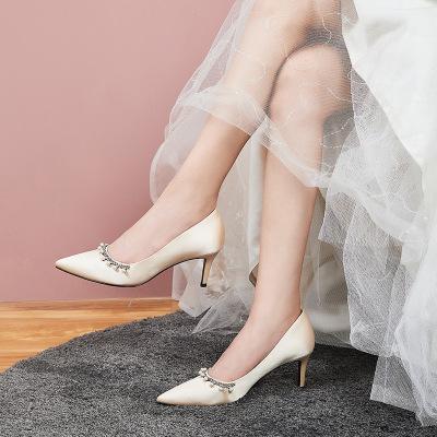 giày cô dâu Giày tùy chỉnh trắng satin giày cao gót với mỏng sườn xám nữ Trung Quốc kết hôn đỏ Xiu c