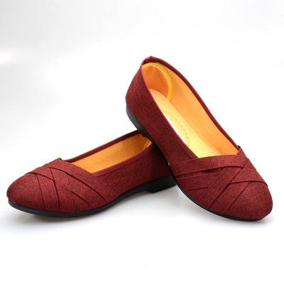 Giày da một lớp  Giày vải Bắc Kinh cũ Giày phụ nữ nông miệng mẹ mang giày thoải mái đế mềm đi làm gi