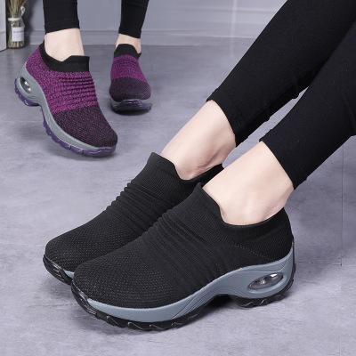 Giày da một lớp  Mô hình vụ nổ xuyên biên giới giày nữ kích thước lớn đệm không khí bay dệt giày thể