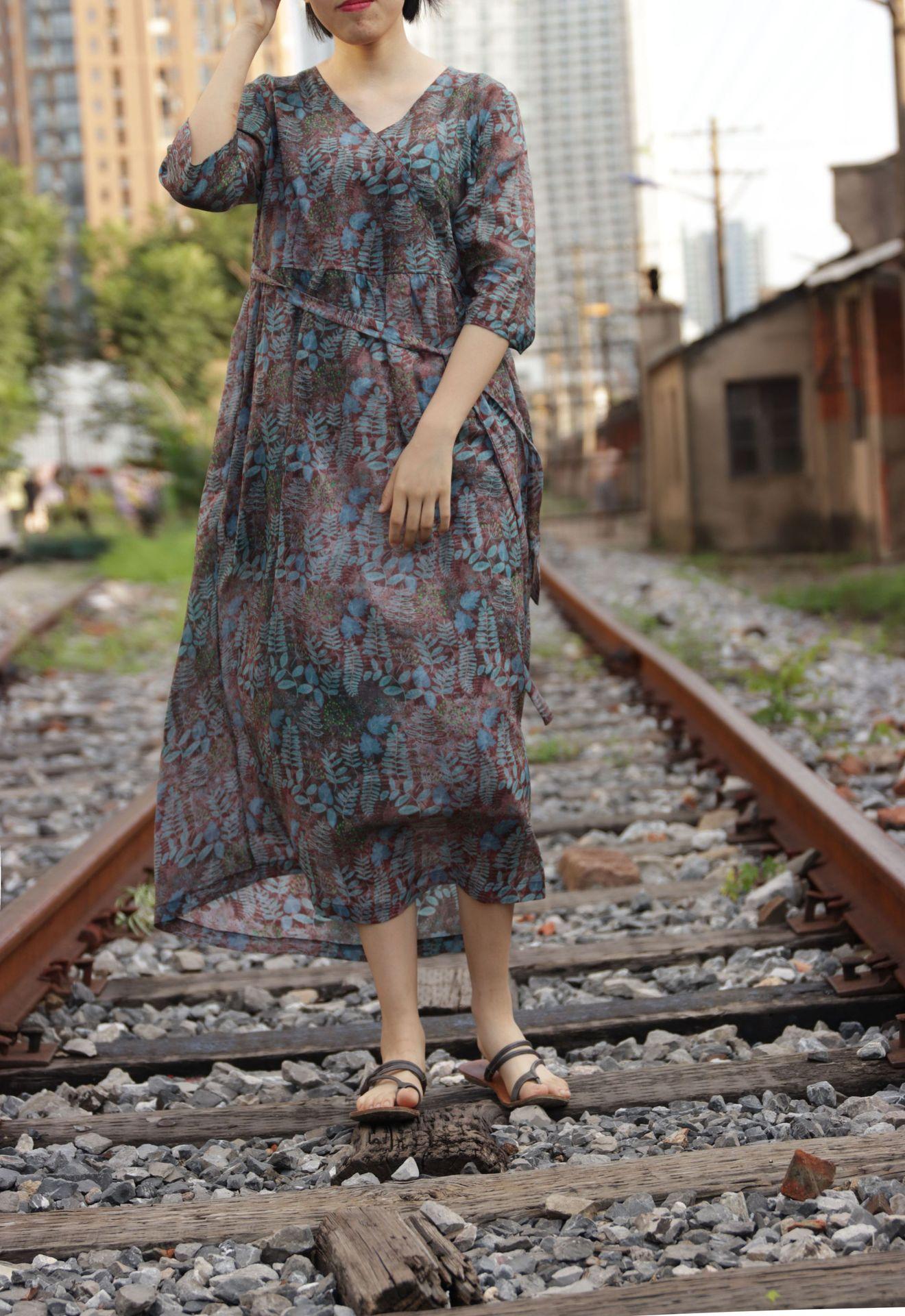 Đầm Đầu thu mặc cao cấp ramie in kỹ thuật số kem cổ áo rừng bảy điểm tay áo thắt lưng váy 01919