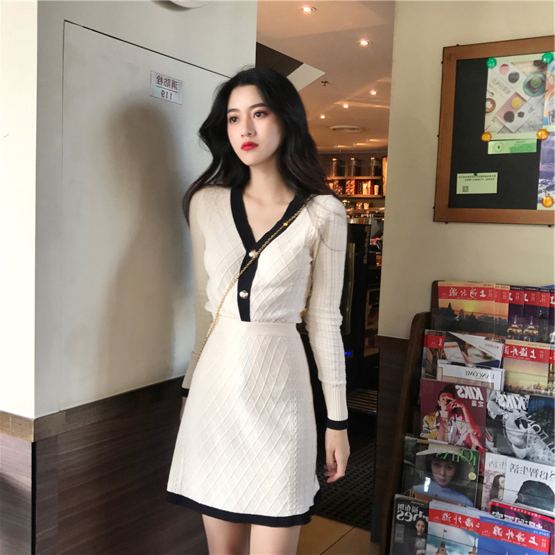 Thời trang nữ Mùa thu đông 2019 của phụ nữ mới nhỏ phong cách nước hoa phù hợp với váy len dệt kim h