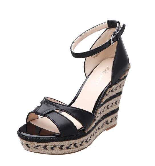 Giày đế xuồng cao gót Nine West  (Black)