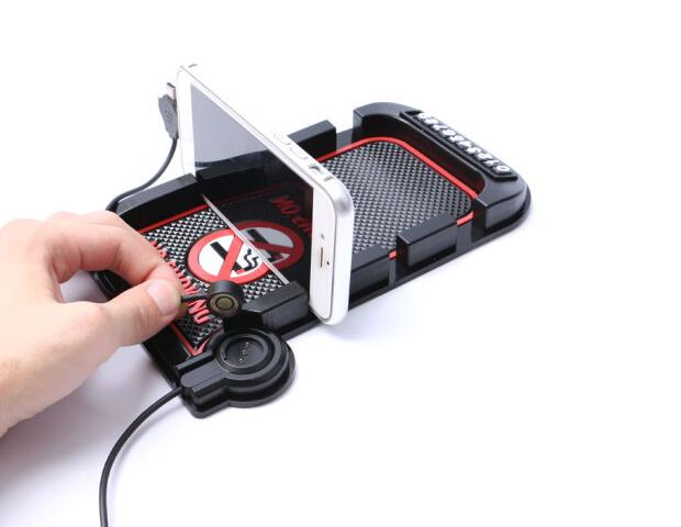 12 triệu Rev McNair xe chở chiếc điện thoại có nhiều khả năng nạp từ khung xe hút sạc điện thoại trơ