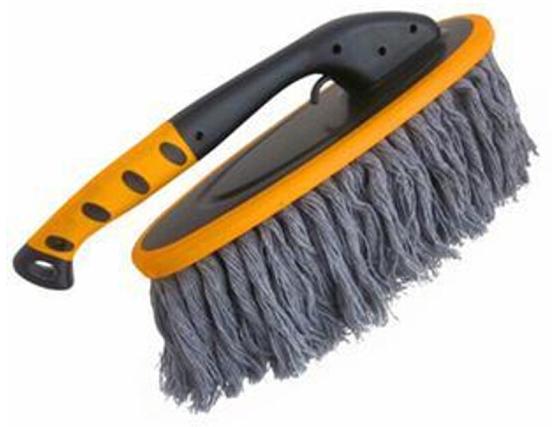 Bàn chải vệ sinh cho xe hơi làm sạch bụi bẩn .