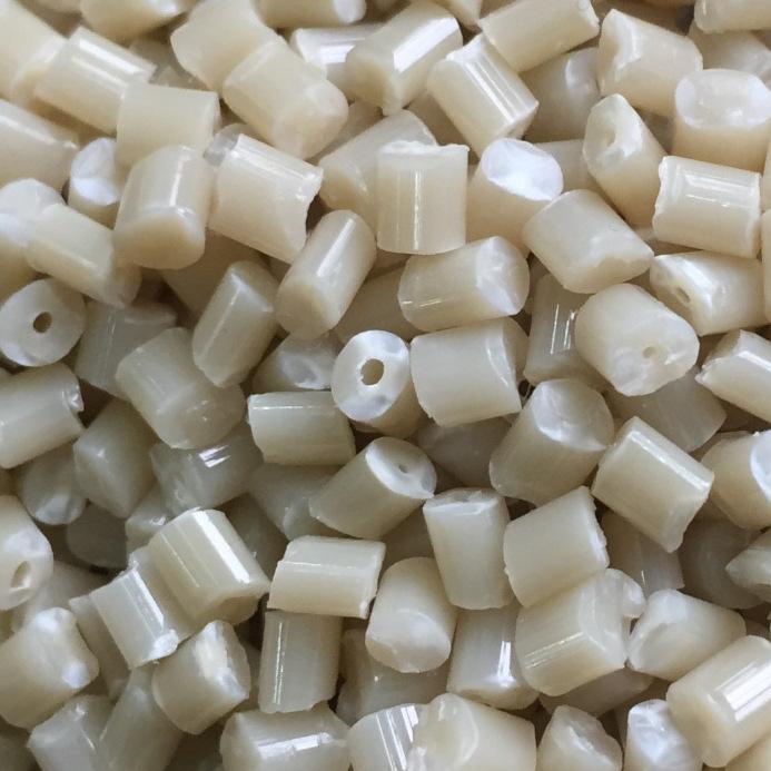 Hạt màu ABS tự nhiên Vật liệu tái chế Hạt nhựa có thể được sử dụng thay cho vật liệu ABS mới.