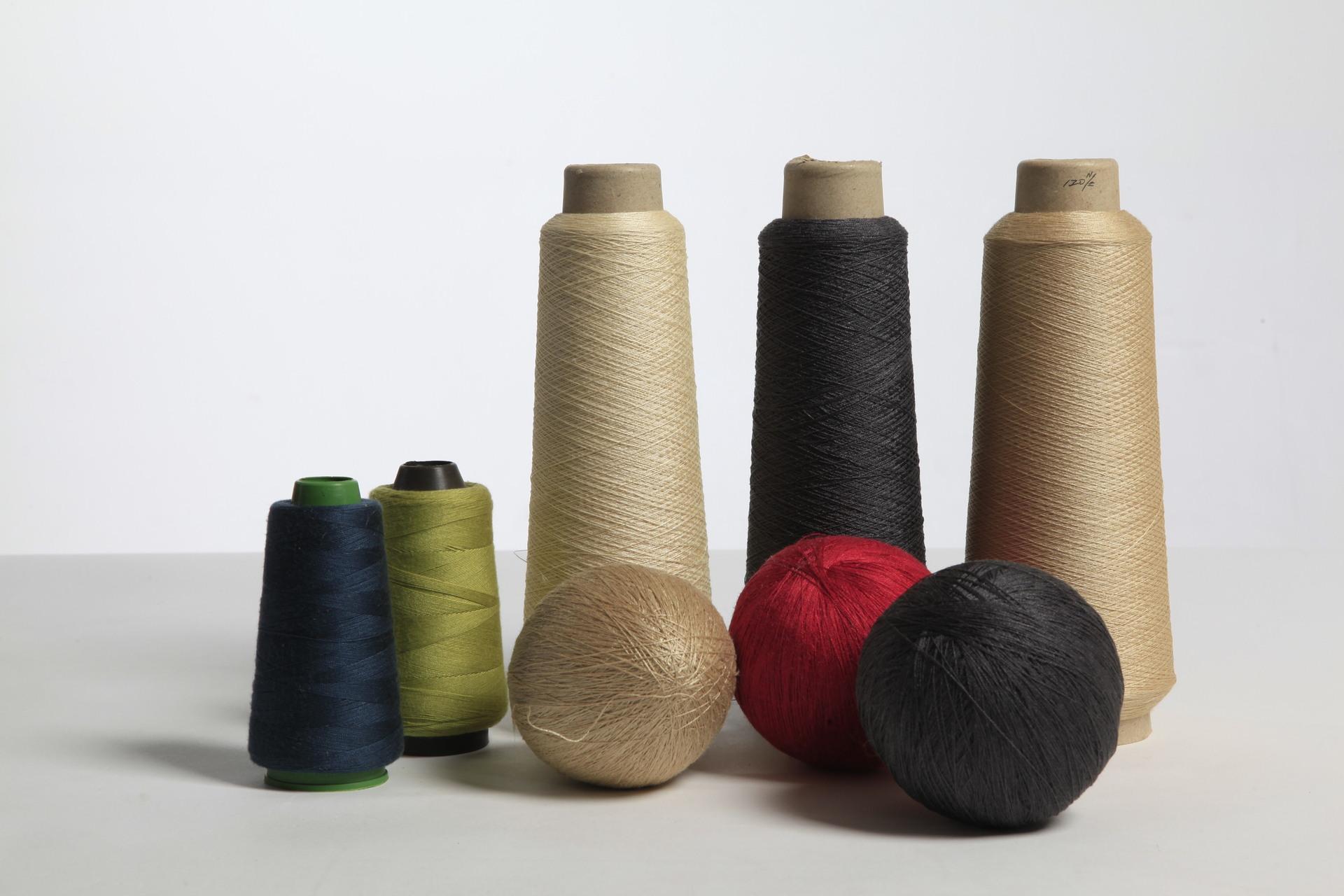 Sợi tơ lụa Sợi tơ tằm, sợi tơ tussah, sợi tơ tussah, sợi cố định, lyricin, in nhà máy cường độ kéo s