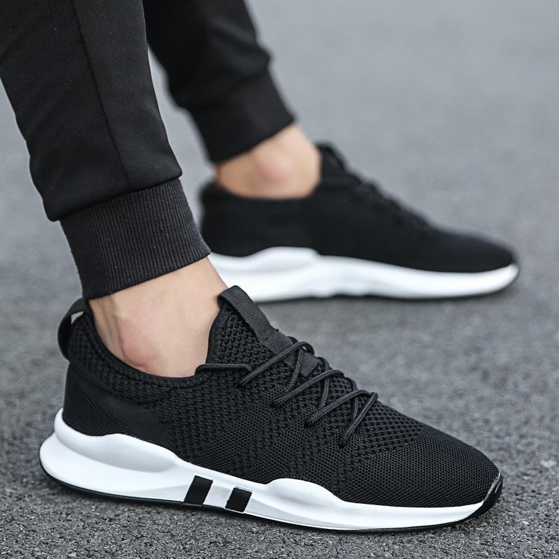 giày sneaker trắng