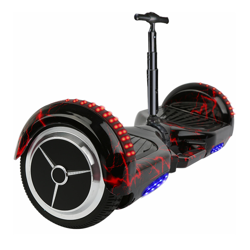 Xe điện cân bằng 2 bánh có thanh kê chân điều khiển thông minh .