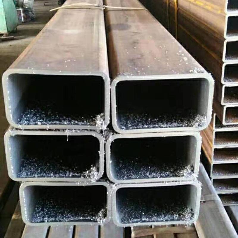Thị trường sắt thép Nhà sản xuất ống vuông 100 * 100 * 5 Chất liệu Q345B Ống vuông liền mạch lớn