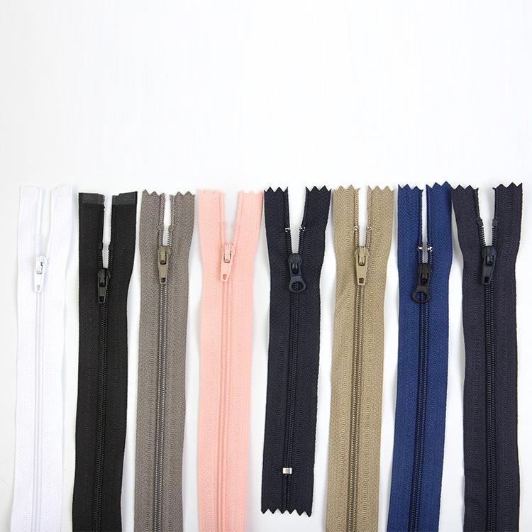 YUQIANG Thị trường phụ kiện Nhà sản xuất quần áo điểm quần áo gối dây kéo nylon kim loại thứ 3 dây k