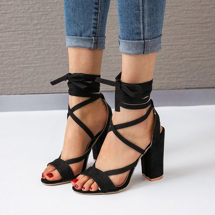 Giày sandal dây gót cao mới