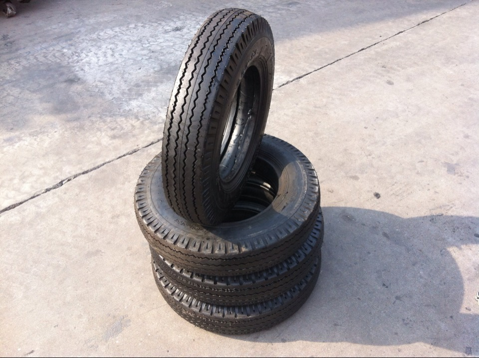 Cao su(lốp xe tải) 550-13 / 5.50-13LT