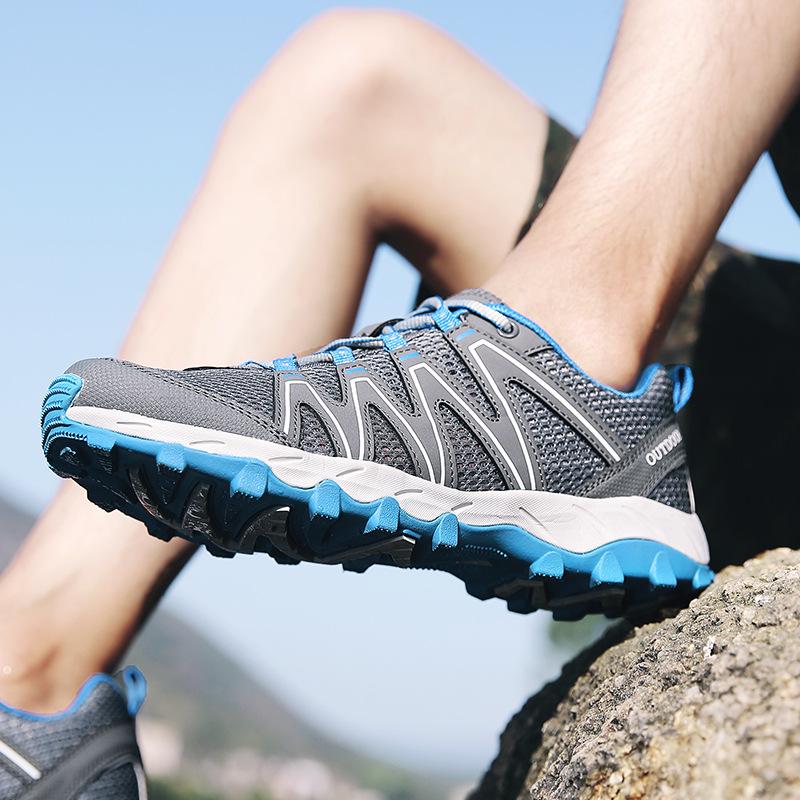 Giày thể thao giày nam chống trượt .