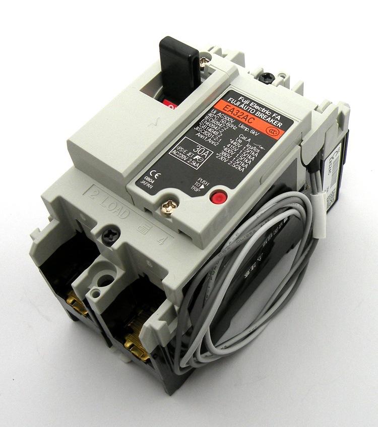 Fuji Thiết bị chống giật điện Máy cắt mạch Fuji FujiI gốc Nhật Bản với phiên bản EA32AC