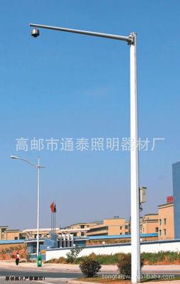 Cột camera giám sát lưỡi lê trực tiếp đường giao thông