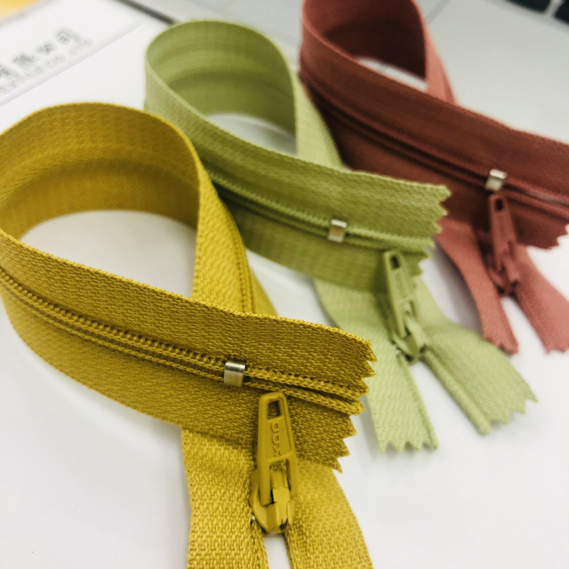 KDD Dây kéo Nylon Nhà sản xuất chứng khoán màu thứ 3 nylon truy cập dây kéo 18CM nylon đóng đuôi dây