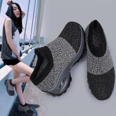 Thị trường giày nữ Mô hình vụ nổ xuyên biên giới giày nữ kích thước lớn đệm không khí bay dệt giày t