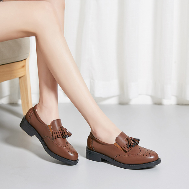 XINSHENGXIN Giày da một lớp Túi tóc 929-23 Châu Âu và Hoa Kỳ Giày đơn thời trang đầu tròn mỏng và dà