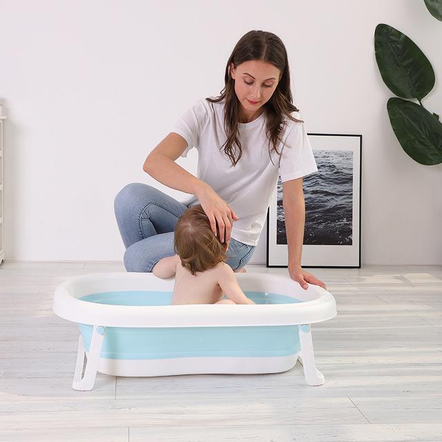 Bồn tắm cho bé bằng nhựa cao cấp có thể xếp gọn lại .