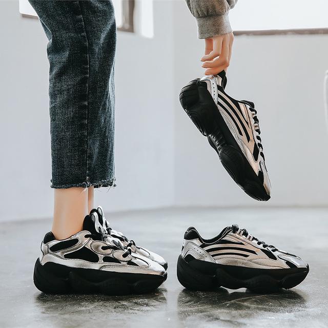 Thị trường giày nữ 2020 mùa thu mới Giày da nữ Ôn Châu giày đế dày đế dày Giày nữ siêu cháy 500v2