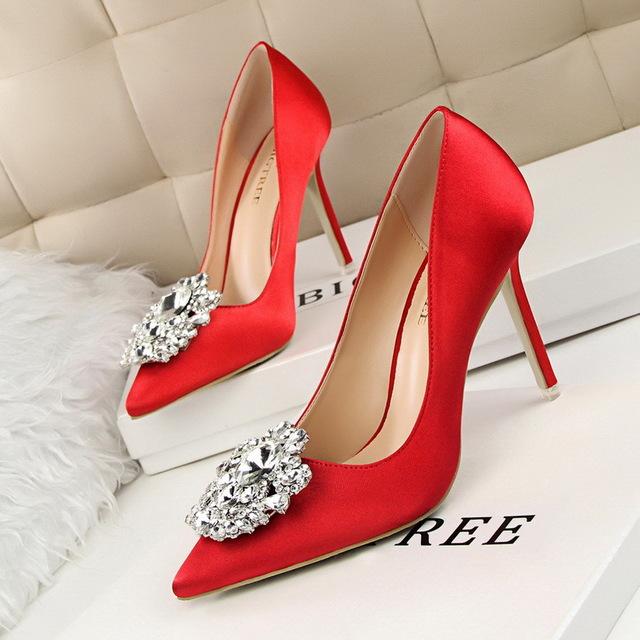 BIGTREE Thị trường giày nữ 516-5 Phiên bản tiếng Hàn của giày nữ rhinestone với giày cao gót mỏng gợ