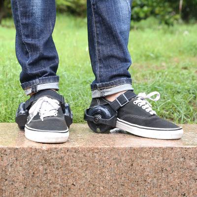 Bánh xe cân bằng gắn giày tiện lợi .