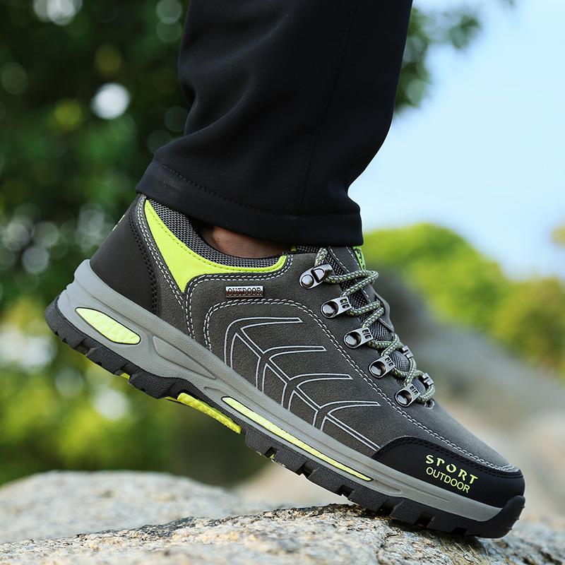Giày thể thao dã ngoại chống trượt dành cho nam .