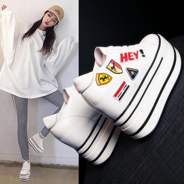 KSMG Giày bánh mì Mùa xuân 2019 giày nữ mới muffin đế tăng 12cm Giày trắng dày nữ da