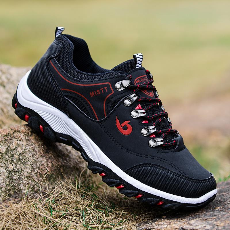 Giày thời trang thể thao dành cho nam .